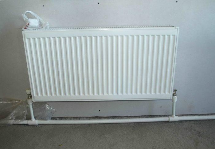 подключение радиатора нижней разводкой
